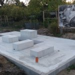 Fertiggestelltes Beton-Fundament